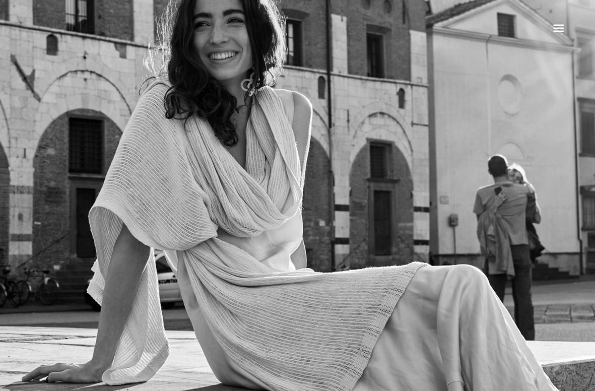 ILIA sjal i bomull natur med innslag av silke