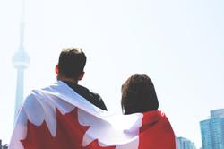 canada-flag-couple