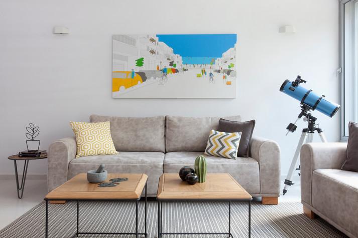 סלון בדירה ברמת השרון בעיצוב נקי.jpg