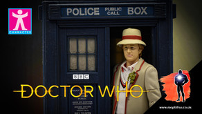 Review : Doctor Who The Fifth Doctor And TARDIS from 'The Visitation' Exclusive Set