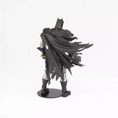 mcfarlane-dc-multiverse-battle-damaged-batman-7.webp