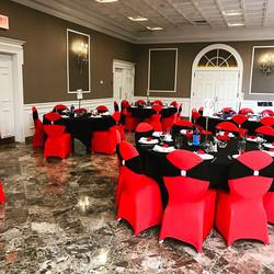 #metgala2017 #elisaviestaco #marketing #events #design #redchaircovers #blackchairsash #redroses🌹 #