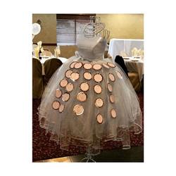 #communionseason 💐 #elisaviestaco #marketing #events #design #tulleskirt #mannequin #placecards #cr