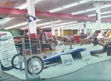 Coachmen Auto Club Dragster on Displey