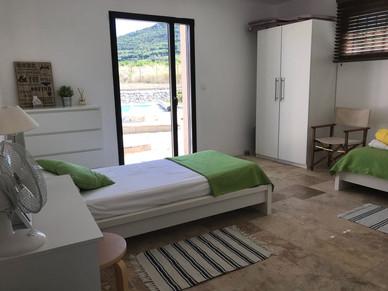Twin Room in Grenache