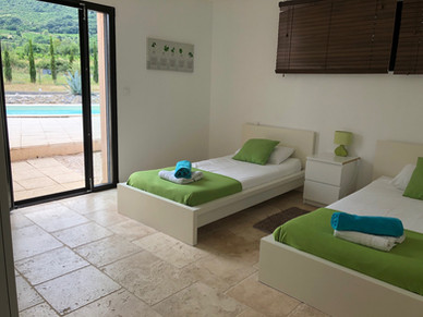 Twin Room in Syrah