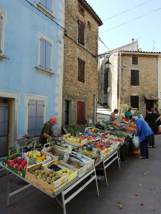 Fruit & Veg stall in Saint Jean de Barrou