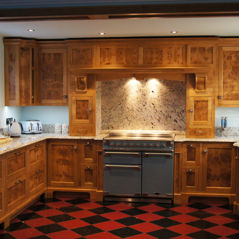 Traditional Burr Oak Kitchen