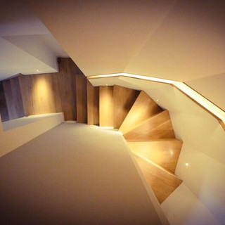 Oak staircase with led lighting
