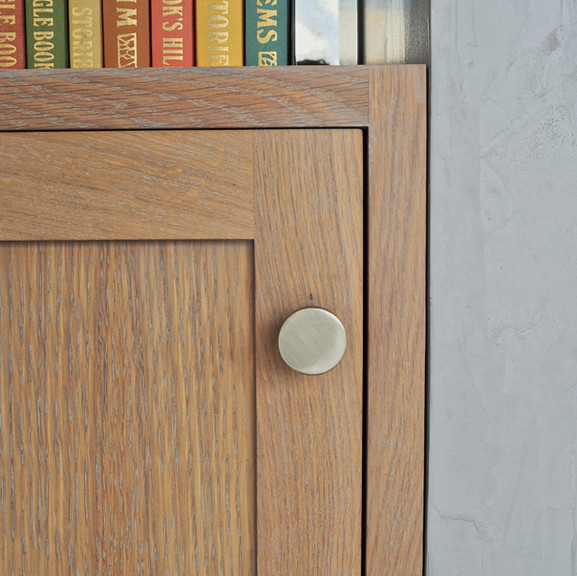 oak shelving - details