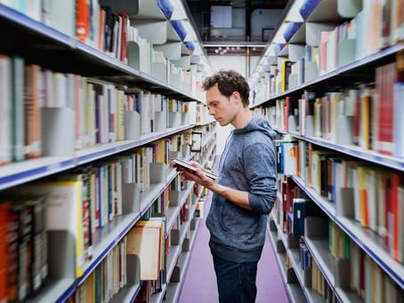 [Coluna] Como ler mais e em menos tempo durante sua graduação