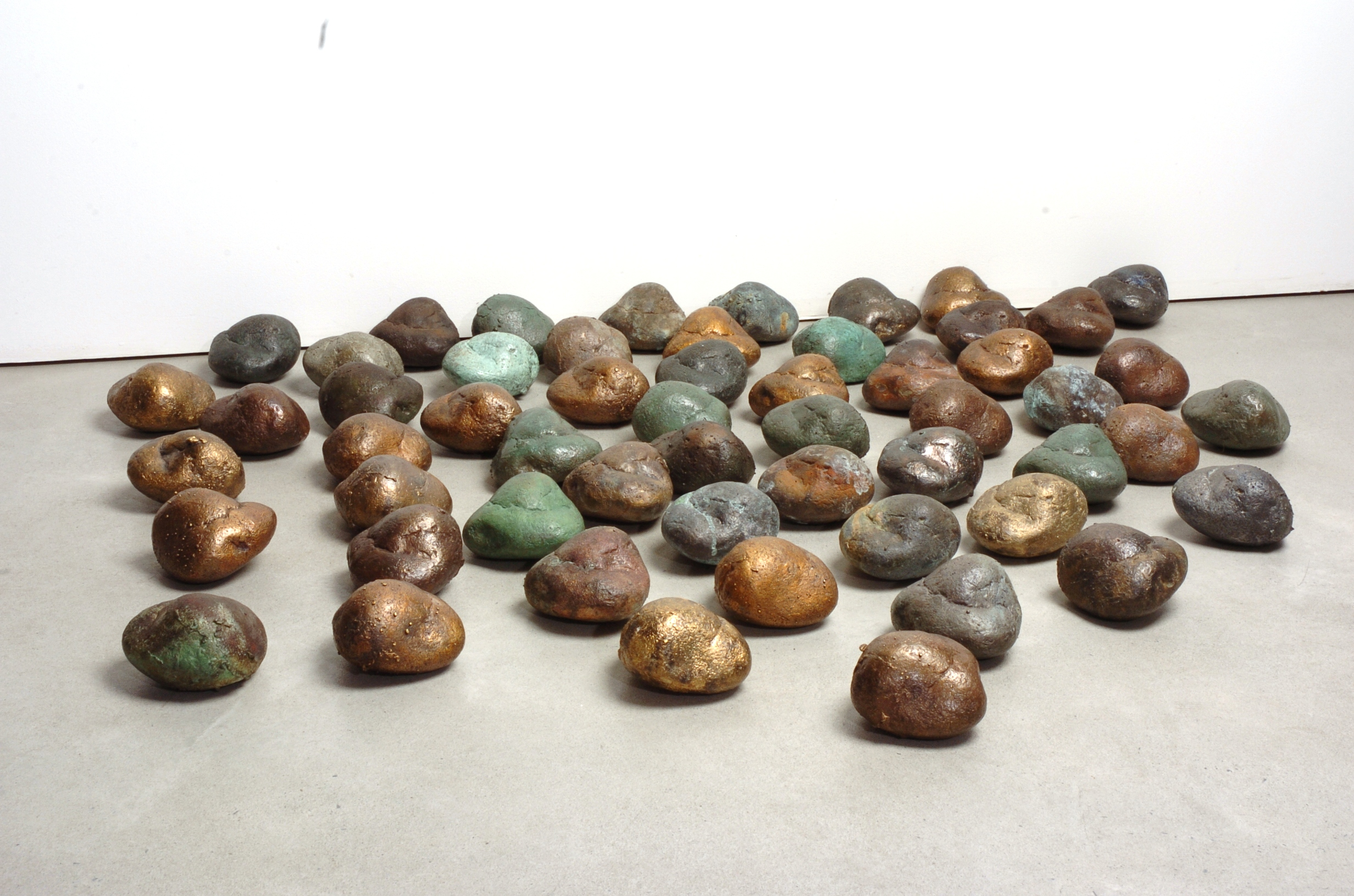 16.2005 - bronze e pedra