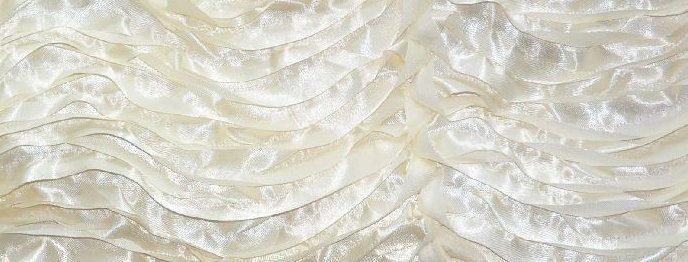 Wave Puff Satin Ivory Tablecloth