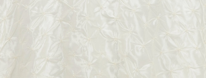 Pinwheel Ivory Tablelcoth