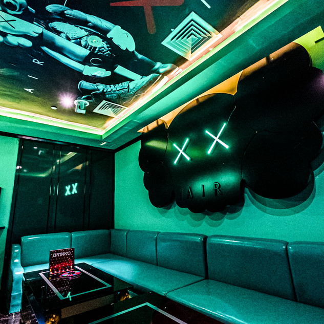 kstar-karaoke-suntec-city-deluxe-rooms-1