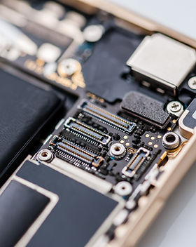Composants à l'intérieur du téléphone mo