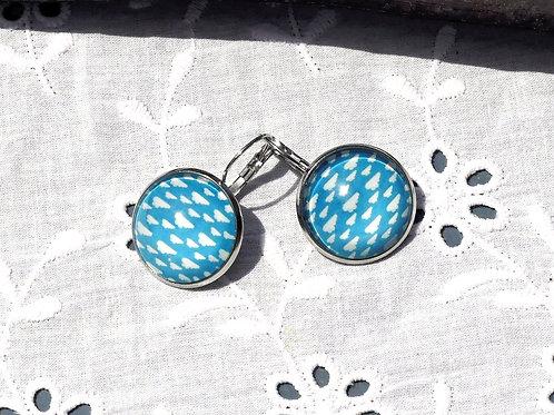 Boucles d'oreille bleues nuages
