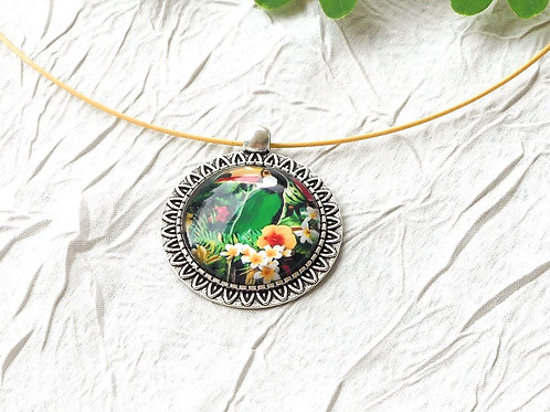 Collier  toucan fleuri