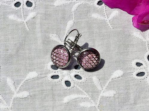 Boucles d'oreille écailles roses