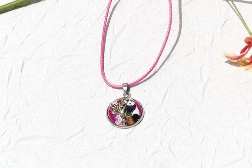 Collier panda rose