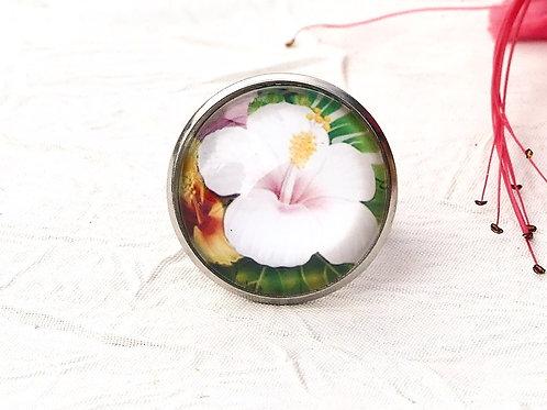 Bague hibiscus blanc