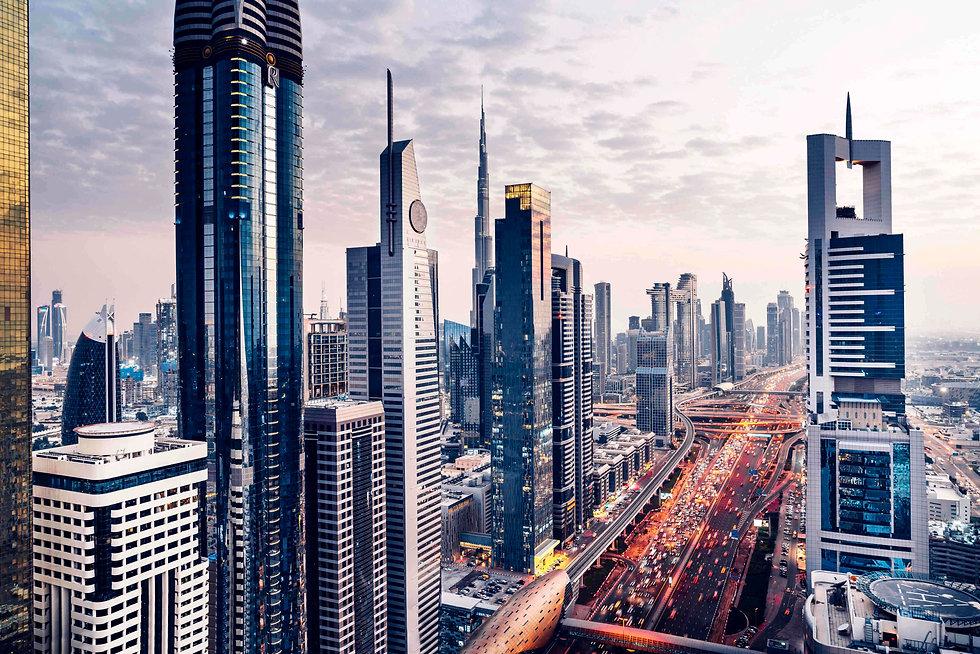 dubai-skyline-cityscape-sheikh-zayed-roa