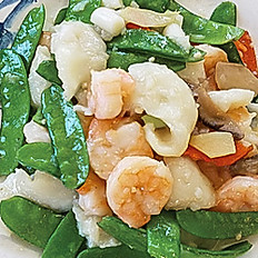 Sautéed Shrimp & Fish Filet | 油泡雙寶