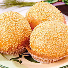 Deep–Fried Sesame Ball w/Red Bean Paste | 豆沙煎堆