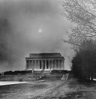 Dust cloud over Lincoln Memorial, March 1935