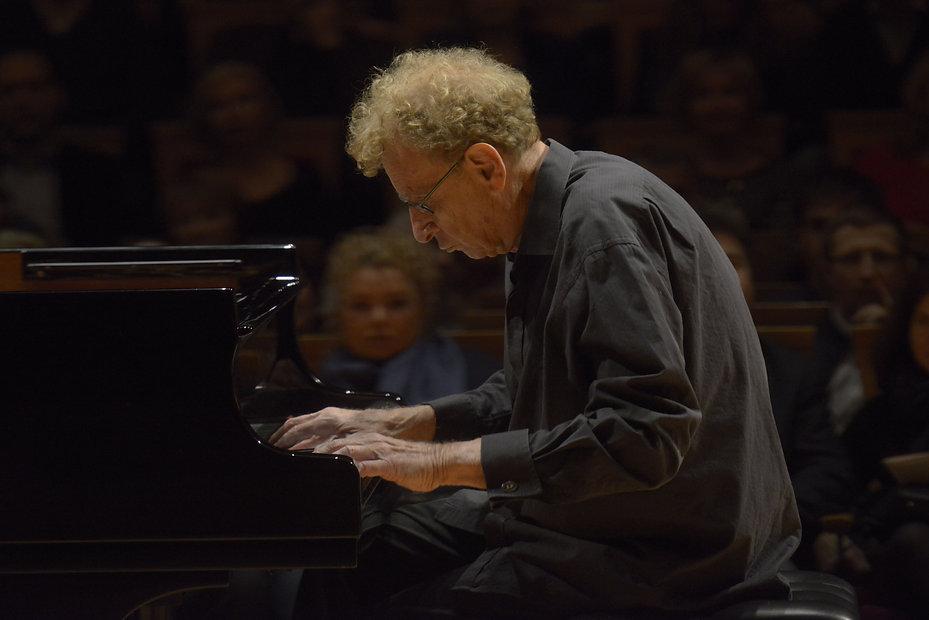 Daniel Pollack recital (piano)  by Valen