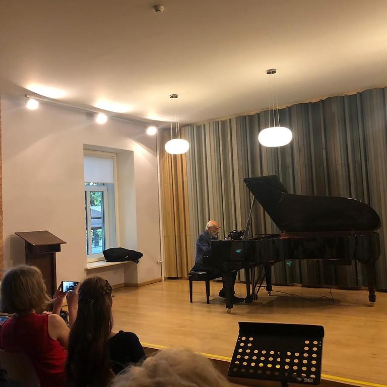 Dmitri Bashkirov - Farewell Concert - Replayed