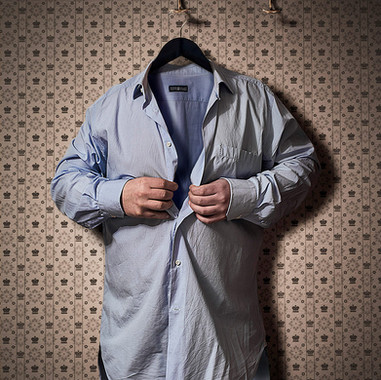 Camisa con abrochado manual