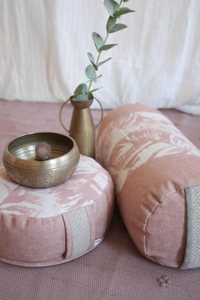 Bio Meditationskissen & Yogabolster Palmenblatt rosa