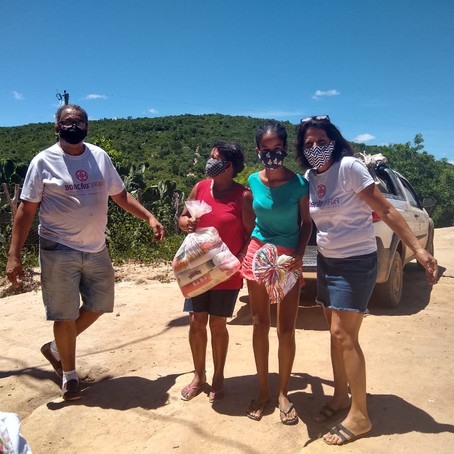 A Boaçãonaria novamente visita a Comunidade Água Branca de Baixo   e ganha presentes. (7ª parte)