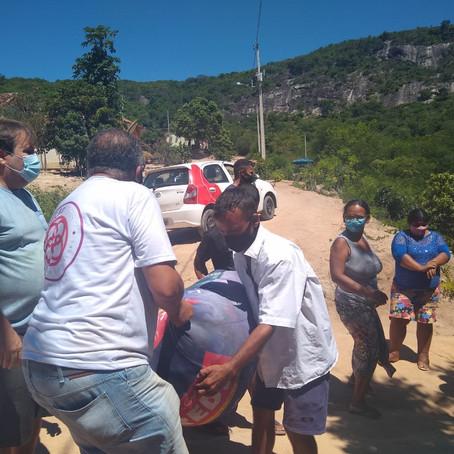 A Boaçãonaria novamente visita a Comunidade Água Branca de Baixo   e ganha presentes. (4ª parte)