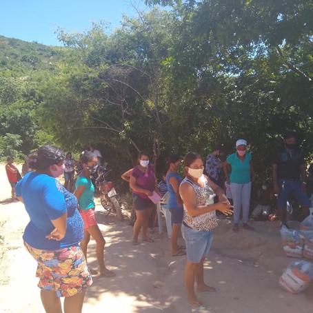 A Boaçãonaria novamente visita a Comunidade Água Branca de Baixo   e ganha presentes. (5ª parte)