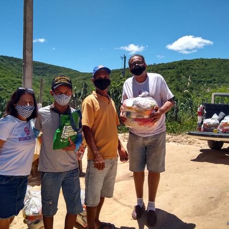 A Boaçãonaria novamente visita a Comunidade Água Branca de Baixo   e ganha presentes. (9ª parte)