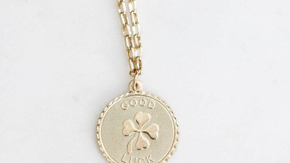 Collier médaille Good Luck