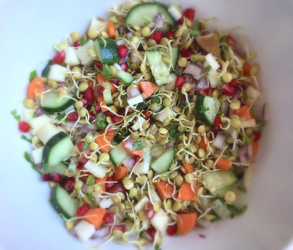 mixinglentil salad