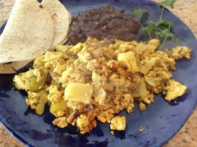Scrambled tofu faux eggs