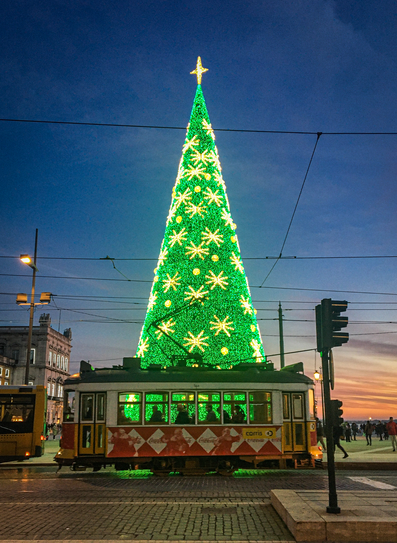 christmas-in-lisbon-print-2.png