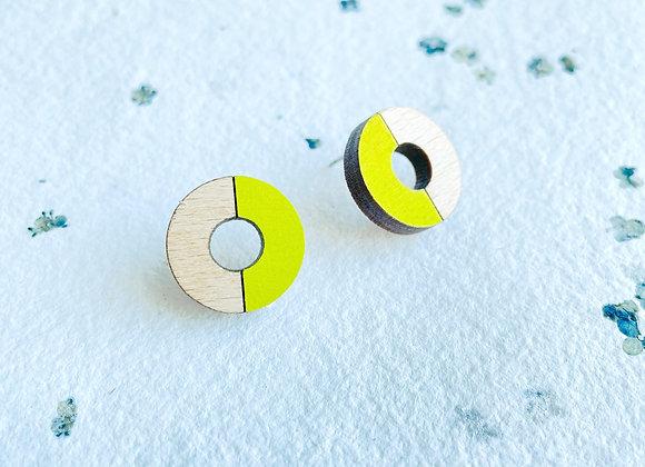 Dřevěné náušnice kruhy žlutozelená