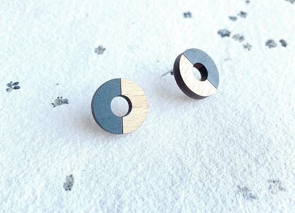 Dřevěné náušnice kruhy šedá