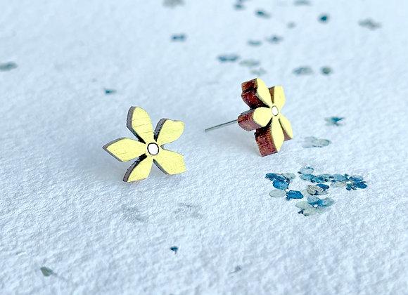 Květinové náušnice / pastelová žlutá