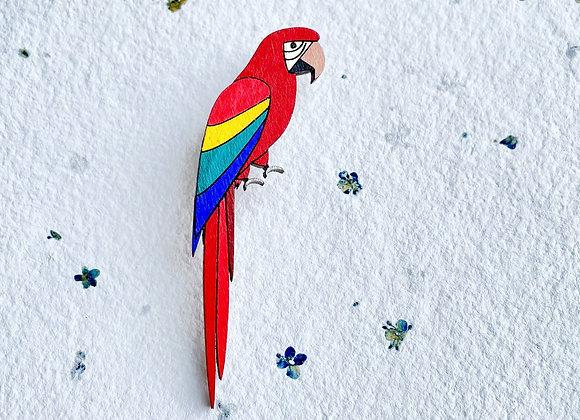 Dřevěná brož papoušek Ara
