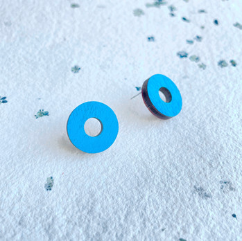 dřevěné náušnice kruhy modrá celé.JPEG