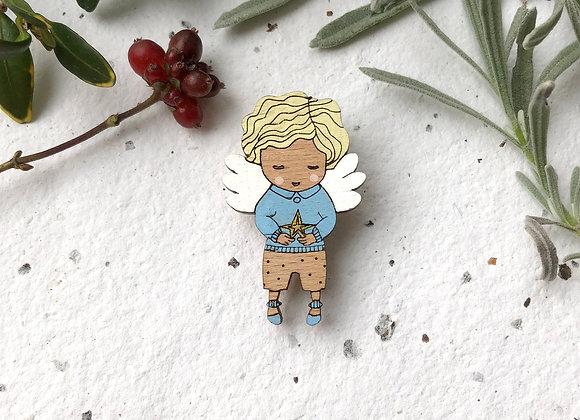 Dřevěná brož andílek / chlapeček