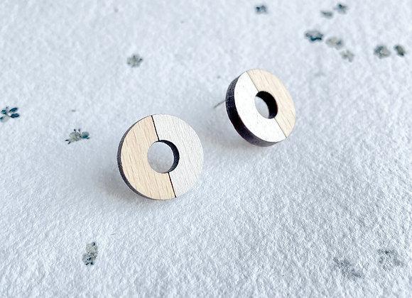 Dřevěné náušnice kruhy krémová