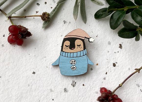 Dřevěná brož tučňák