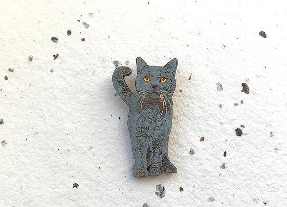 Dřevěná brož britská modrá kočka
